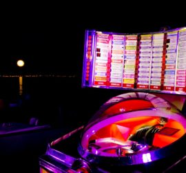 JUKEBOX - Caningam, Feste con Jukebox, Festa con Jukebox, Matrimonio con Juxebox, Evento con Jukebox, Jukebox a Palermo
